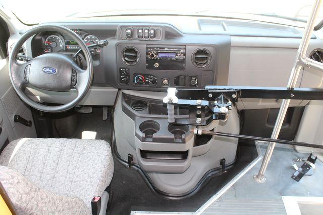 2010 Ford E450 22 Passenger Eldorado Shuttle Bus W/ Rear Luggage Storage Irving, Texas 34