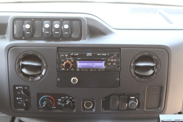 2010 Ford E450 22 Passenger Eldorado Shuttle Bus W/ Rear Luggage Storage Irving, Texas 35
