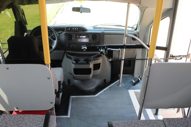 2010 Ford E450 22 Passenger Eldorado Shuttle Bus W/ Rear Luggage Storage Irving, Texas 26