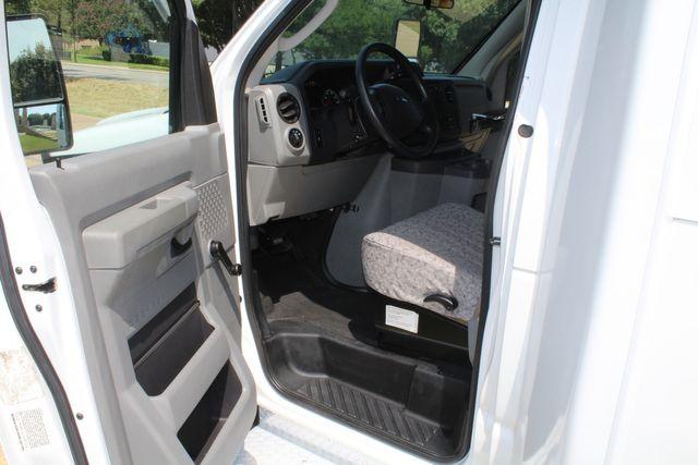 2010 Ford E450 22 Passenger Eldorado Shuttle Bus W/ Rear Luggage Storage Irving, Texas 47