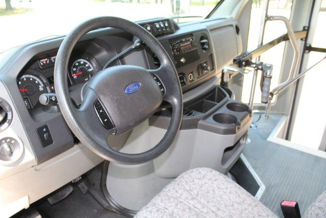 2010 Ford E450 22 Passenger Eldorado Shuttle Bus W/ Rear Luggage Storage Irving, Texas 48
