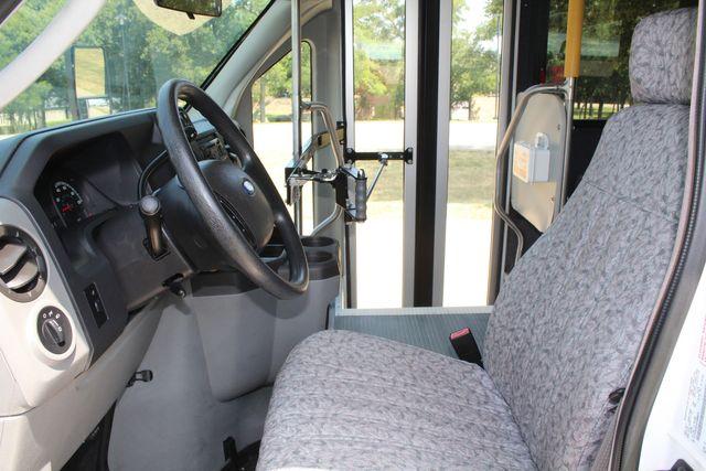 2010 Ford E450 22 Passenger Eldorado Shuttle Bus W/ Rear Luggage Storage Irving, Texas 52