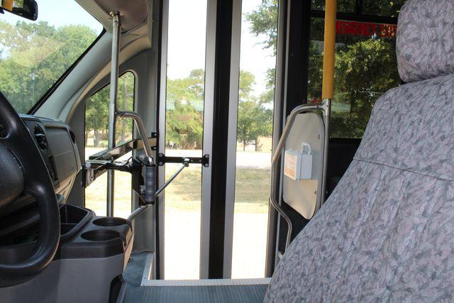 2010 Ford E450 22 Passenger Eldorado Shuttle Bus W/ Rear Luggage Storage Irving, Texas 55