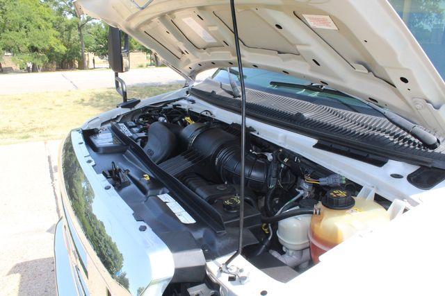 2010 Ford E450 22 Passenger Eldorado Shuttle Bus W/ Rear Luggage Storage Irving, Texas 77