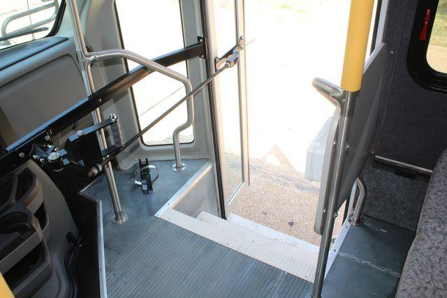 2010 Ford E450 22 Passenger Eldorado Shuttle Bus W/ Rear Luggage Storage Irving, Texas 31