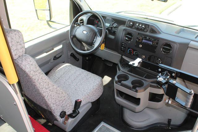 2010 Ford E450 22 Passenger Eldorado Shuttle Bus W/ Rear Luggage Storage Irving, Texas 33
