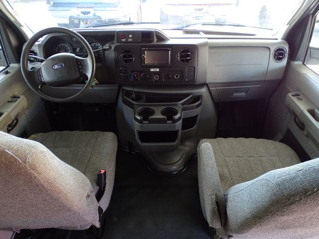 2010 Ford Econoline 10 Passenger Van Passenger Van Corpus Christi, Texas 32