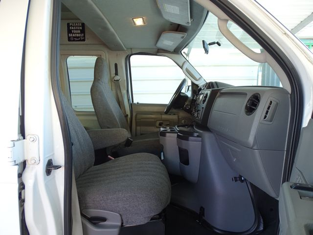 2010 Ford Econoline 10 Passenger Van Passenger Van Corpus Christi, Texas 33