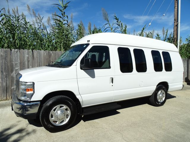 2010 Ford Econoline 10 Passenger Van Passenger Van Corpus Christi, Texas 0