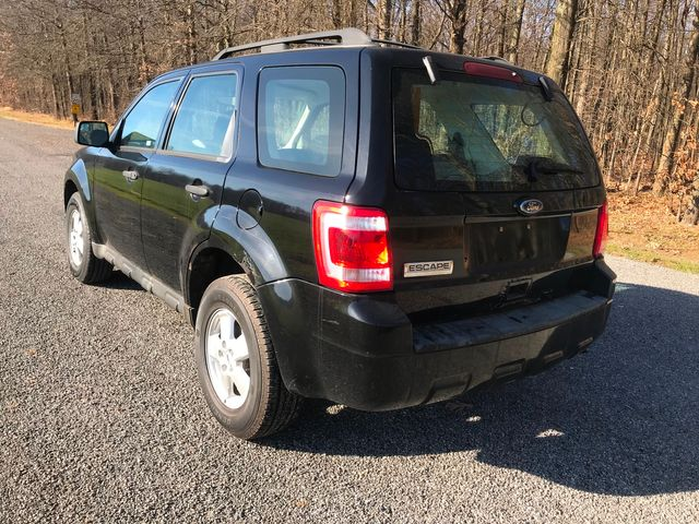 2010 Ford Escape XLS Ravenna, Ohio 2