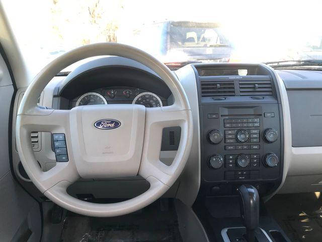 2010 Ford Escape XLS Ravenna, Ohio 8