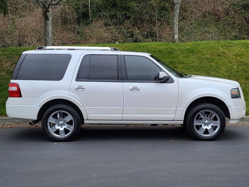 2010 Ford Expedition Limited 4x4 Local 8 Passenger Luxury Package Excellent Options  city Washington  Complete Automotive  in Seattle, Washington