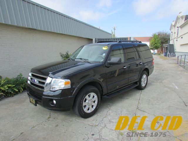 2010 Ford Expedition XLT, 1-Owner! Low Miles! Leather!