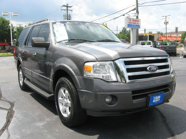 2010 Ford Expedition XLT 4X4 Richmond, Virginia 3