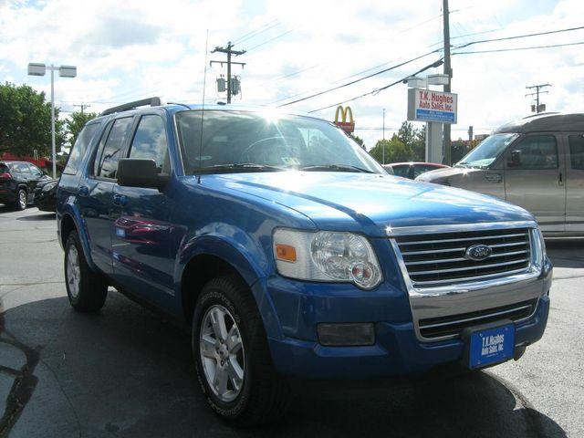 2010 Ford Explorer XLT 4X4 Richmond, Virginia 3