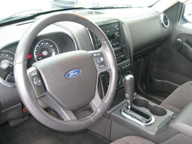 2010 Ford Explorer XLT 4X4 Richmond, Virginia 9