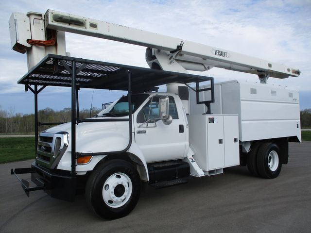 2010 Ford  F-750 CHIPPER DUMP BUCKET BOOM TRUCK 65FT XL Lake In The Hills, IL
