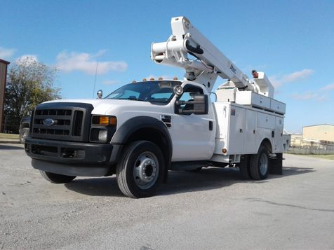 2010 Ford F550 4X4 BUCKET TRUCK W/MATERIAL HANDLER in Fort Worth, TX