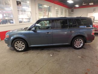 2010 Ford Flex Awd, 3rd Row, TOW PKG, HEATED LEATHER, LOADED AND CLEAN Saint Louis Park, MN 8