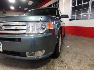 2010 Ford Flex Awd, 3rd Row, TOW PKG, HEATED LEATHER, LOADED AND CLEAN Saint Louis Park, MN 34