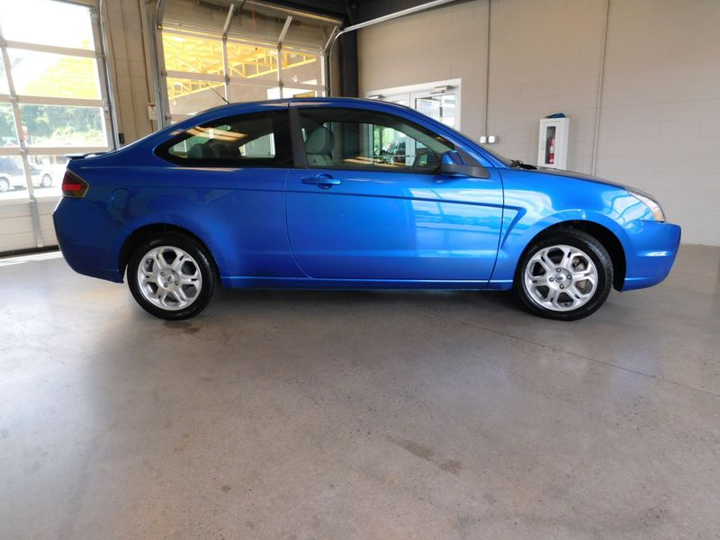 2010 Ford Focus SE  city TN  Doug Justus Auto Center Inc  in Airport Motor Mile ( Metro Knoxville ), TN