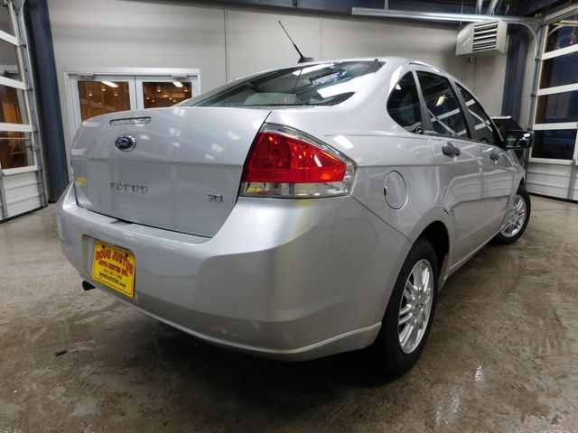 2010 Ford Focus SE in Airport Motor Mile ( Metro Knoxville ), TN 37777