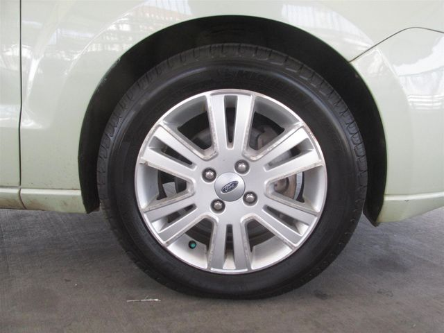 2010 Ford Focus SEL Gardena, California 14