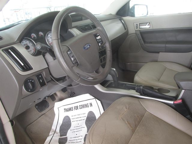 2010 Ford Focus SEL Gardena, California 4