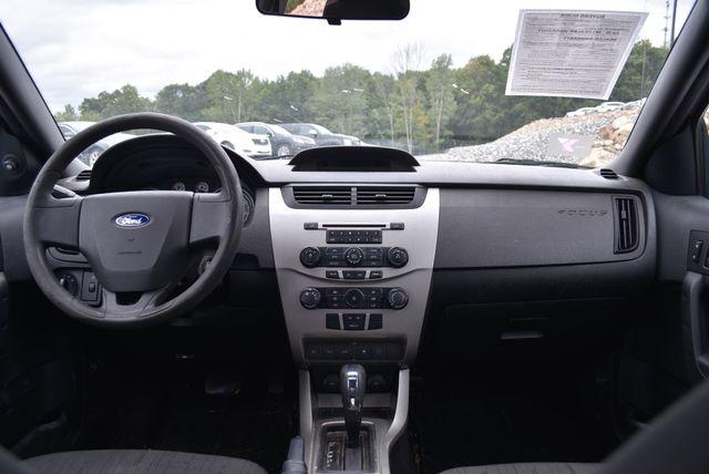 2010 Ford Focus SE Naugatuck, Connecticut 10