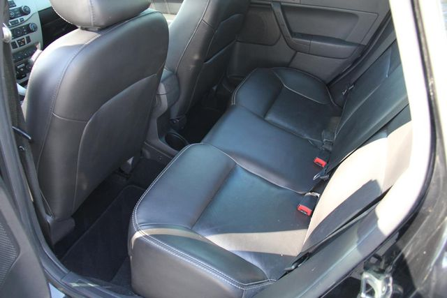 2010 Ford Focus SES Santa Clarita, CA 15