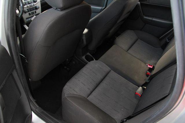 2010 Ford Focus SE Santa Clarita, CA 15