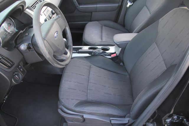2010 Ford Focus SE Santa Clarita, CA 13