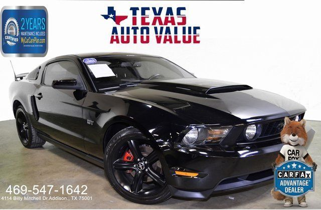 2010 Ford Mustang GT Premium - LOADED- HOOD SCOOP - FAC NAV- HEATED