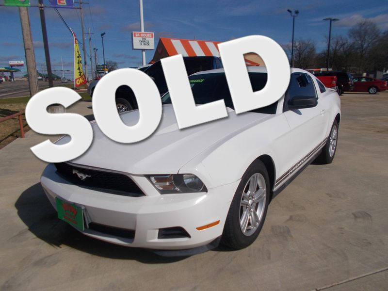 2010 Ford Mustang V6 | Gilmer, TX | Win Auto Center, LLC in Gilmer TX