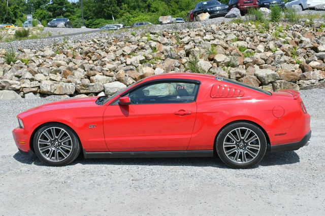 2010 Ford Mustang GT Premium Naugatuck, Connecticut 3