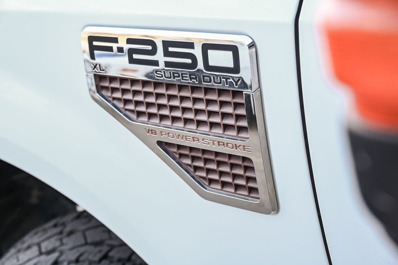 2010 Ford Super Duty F-250 SRW XL 4X4 DIESEL AUTO TRANS TOWING PACKAGE UPGRADES in Rowlett, Texas