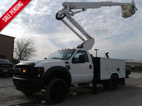 2010 Ford Super Duty F-550 DRW XL 42' ALTEC BUCKET TRUCK W / OUTRIGGERS in Fort Worth, TX
