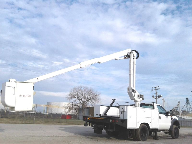 2010 Ford Super Duty F-550 DRW XL 42 ALTEC BUCKET TRUCK W  OUTRIGGERS  city TX  North Texas Equipment  in Fort Worth, TX