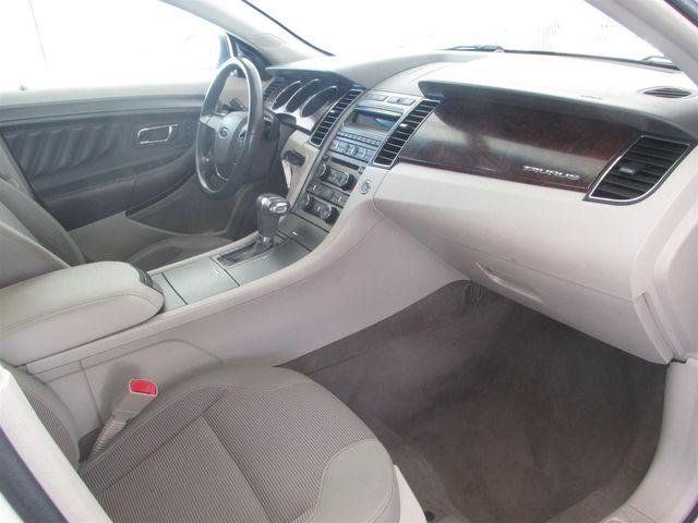2010 Ford Taurus SEL Gardena, California 8