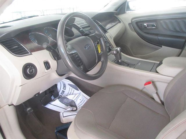 2010 Ford Taurus SEL Gardena, California 4