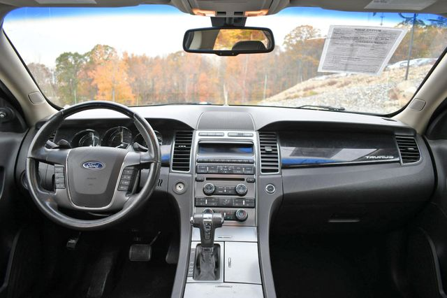 2010 Ford Taurus Limited Naugatuck, Connecticut 16