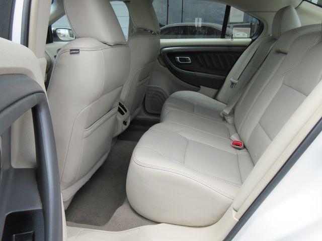 2010 Ford Taurus SEL south houston, TX 7