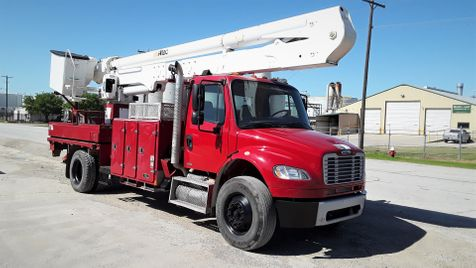 2010 Freightliner BUSINESS M2  6OFT ALTEC MATERIAL HANDLER BUCKET TRUCK in Fort Worth, TX