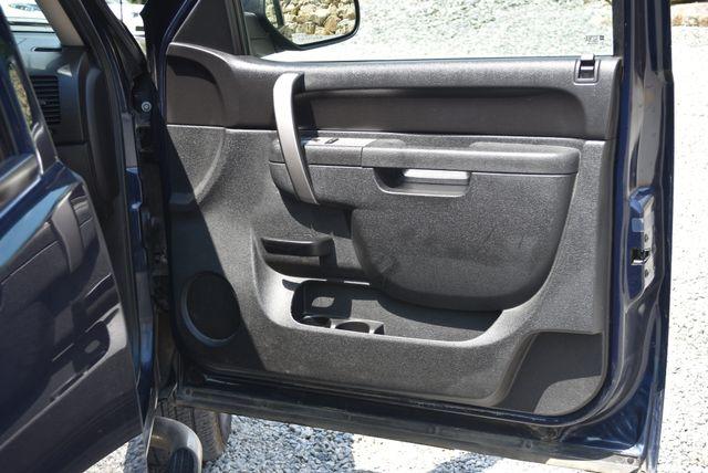 2010 GMC Sierra 1500 SLE Naugatuck, Connecticut 9