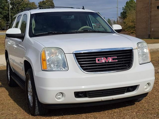 2010 GMC Yukon SLT in Hope Mills, NC 28348