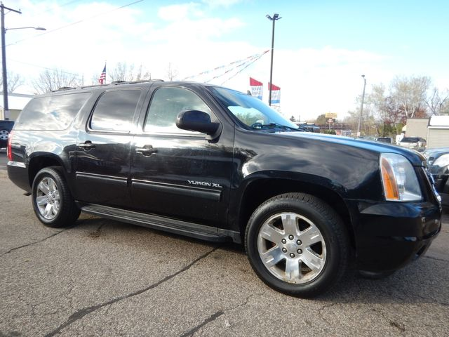 2010 GMC Yukon XL SLT in Oakdale, Minnesota 55128