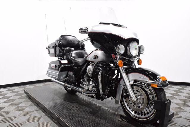2010 Harley-Davidson FLHTCU - Electra Glide Ultra Classic