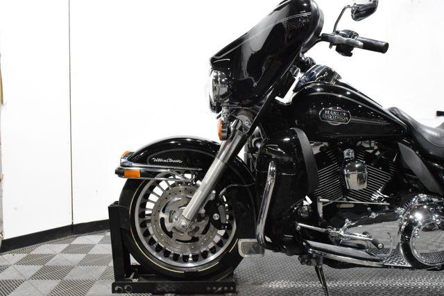2010 Harley-Davidson FLHTCU - Electra Glide® Ultra Classic® in Carrollton TX, 75006