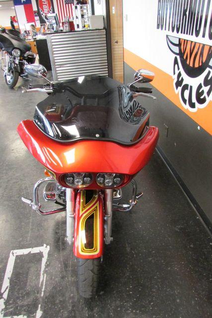 2010 Harley-Davidson Road Glide® Custom Base Arlington, Texas 4