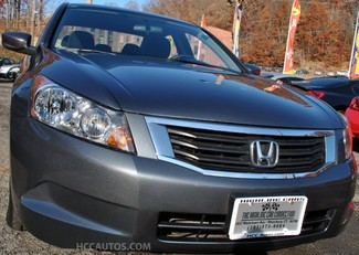 2010 Honda Accord Sdn LX 4dr I4 Auto LX Waterbury, Connecticut 9